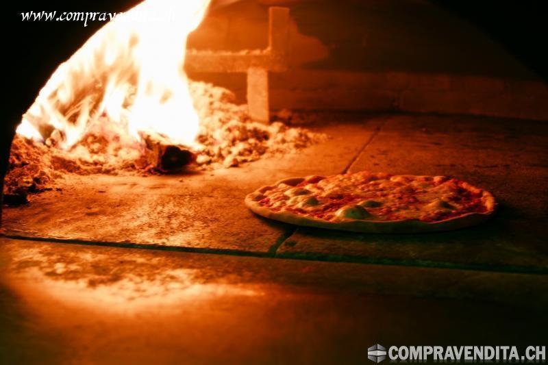 Vendesi splendido ristorante pizzeria nella periferia di Lugano VendesisplendidoristorantepizzerianellaperiferiadiLugano.jpg