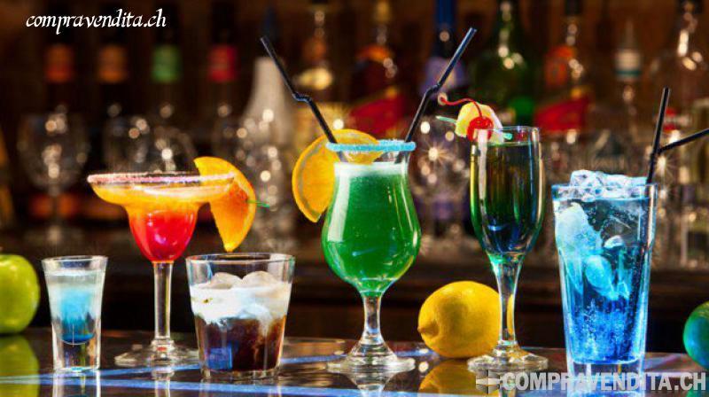Bellissimo bar con terrazza a Locarno BellissimobarconterrazzaaLocarno.jpg