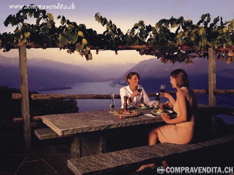 Si cede storico e redditizio Grotto nella periferia di Lugano SicedestoricoeredditizioGrottonellaperiferiadiLugano.jpg