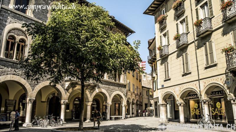 Storico Bar nel cuore di Bellinzona StoricoBarnelcuorediBellinzona.jpg