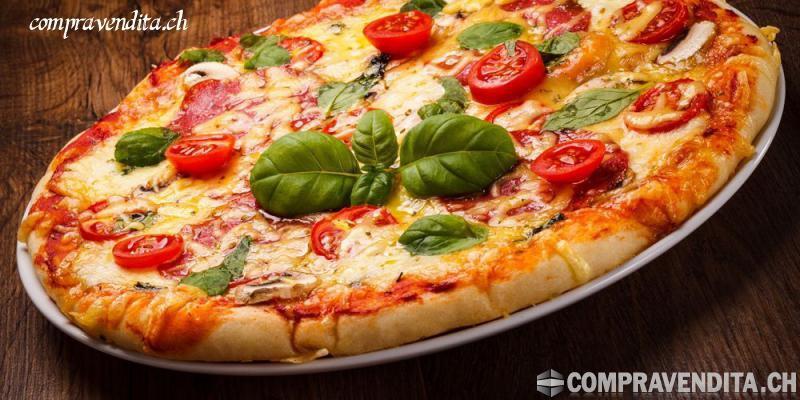 Cedesi importante attività pizzeria - snack bar con terrazza a Lugano centrale CedesiimportanteattivitpizzeriasnackbarconterrazzaaLuganocentrale.jpg