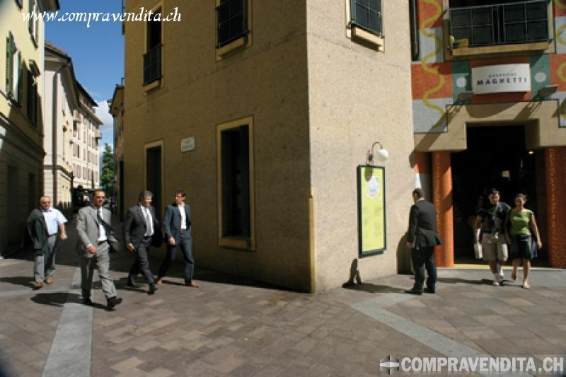 Storico e unico Snack Bar nel cuore di Lugano StoricoeunicoSnackBarnelcuorediLugano.jpg